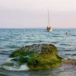 Пляж у отеля Нимфей